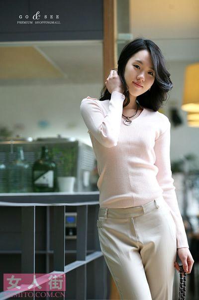韩国熟女3月粉色搭配